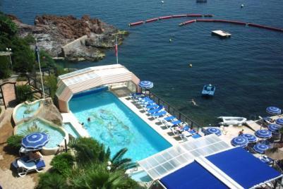 Professionnels du tourisme abritez vos piscines for Abris piscine eureka